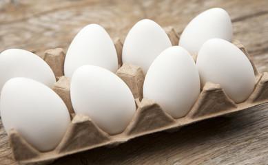 carton d'œufs blanc frais bio