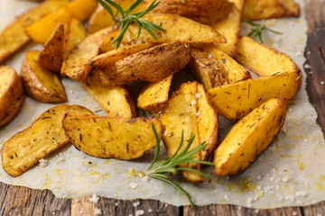 roasted potato with herbs