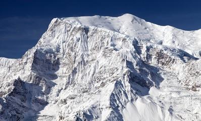mount Annapurna 3, round Annapurna circuit trekking trail