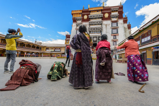 Pilgrims at Potala Palace