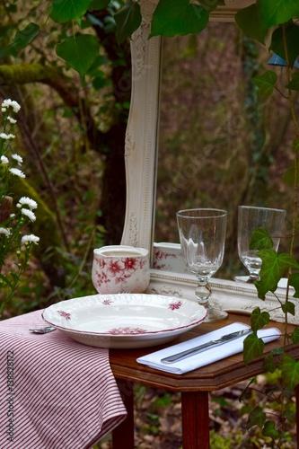 Charmant Déco Table Vaisselle Ambiance Nature Bistro