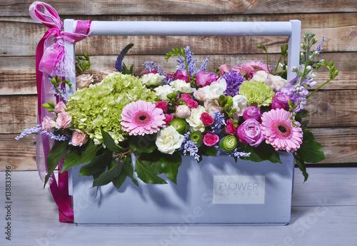beautiful flowers in a turquoise wooden box photo libre de droits sur la banque d 39 images. Black Bedroom Furniture Sets. Home Design Ideas
