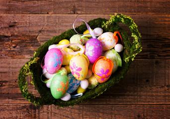 Cestino di uova di Pasqua
