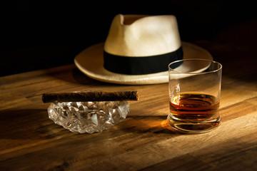 Rum, Hut und Zigarre
