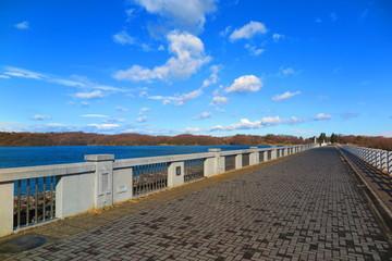 青空と湖の風景12