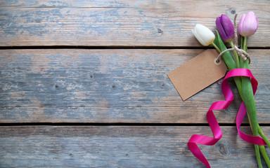 Fototapete - Spring tulips gift background