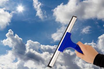 Freie Sicht auf den blauen wolkigen Himmel