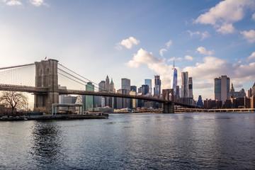 Fotobehang Amerikaanse Plekken Brooklyn Bridge and Manhattan Skyline - New York, USA