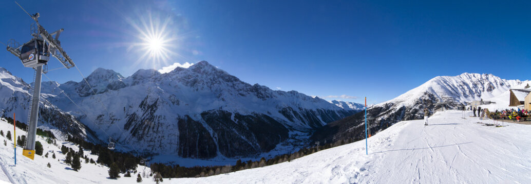 Winter panorama moutain view III