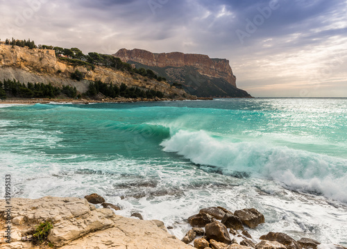 plage de cassis et le cap canaille bouches du rh ne provence france fotos de archivo e. Black Bedroom Furniture Sets. Home Design Ideas