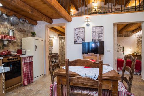 Casa con soppalco con camera da letto soggiorno e cucina stock photo and royalty free images - Soppalco camera da letto ...