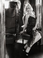 Femme fatale dans le train