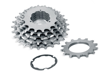 Bicycle chainrings set