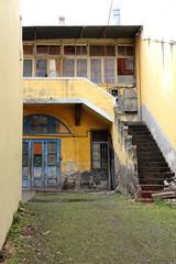 Verfallener Hinterhof in der Altstadt von Funchal