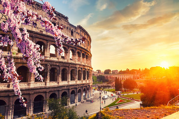 Fotomurales - Colosseum at spring in Rome, Italy
