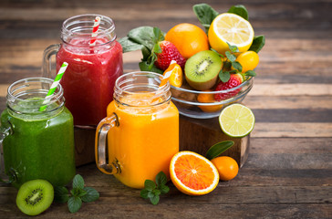 Foto op Aluminium Keuken Healthy fruit and vegetable smoothies