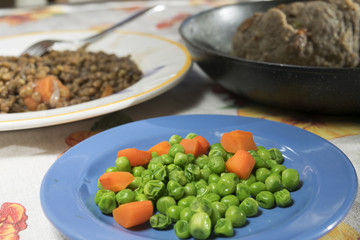 steamed peas with carrots