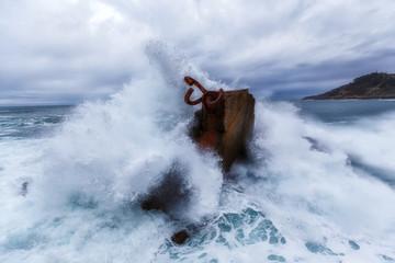 Waves splashing in El peine de los vientos, Chillida's sculpture