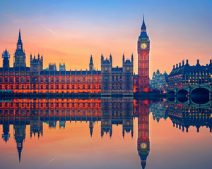Wall Mural - Big Ben and Houses of parliament at dusk in London