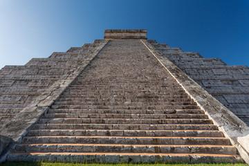 El Castillo (Temple of Kukulkan), Chichen Itza, Yucatan, Mexico