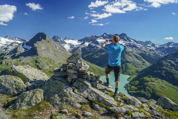 Gipfeltour in den Alpen