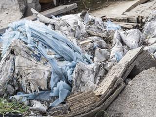 Environmental problem. Wastes which contaminate soils