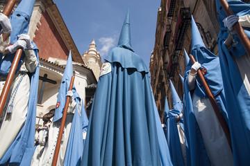 Wall Mural - hermanos nazarenos de la semana santa de Sevilla