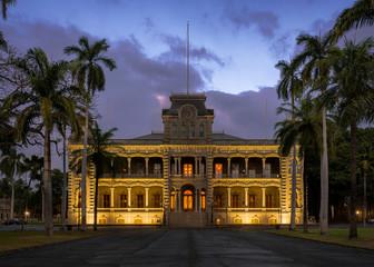 Iolani Palace at night on King Street in Honolulu, Hawaii