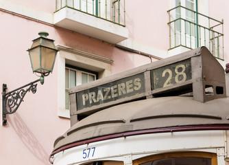 Historische Strassenbahn Linie 28 in Lissabon, Portugal