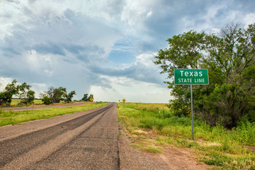 Fotobehang Route 66 Texas Stateline sign next to historic Route 66 near the town of Texola, Oklahoma