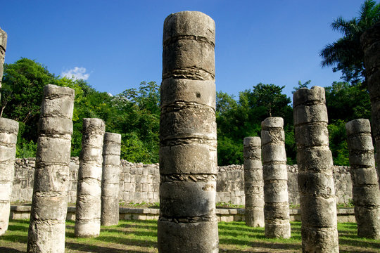 mexican mayan architecture ruins