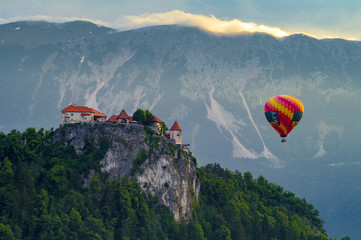 Wall Mural - balloon over the lake Bled, Slovenia