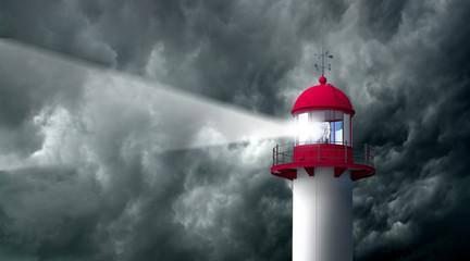 PHARE - Tempête orage et ciel gris noir