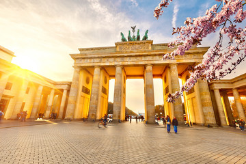Photo sur Aluminium Berlin Brandenburg gate at spring, Berlin