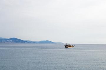 Boat, Aalanya