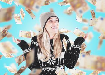 Donna ricca con banconote, vincita o premio