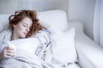 kranke frau schläft