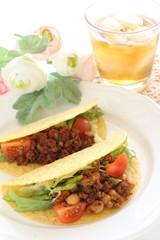 Mexician food, hard Tacos and tea