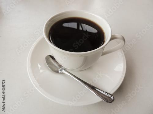 kaffeetasse mit untersetzer und l ffel stockfotos und lizenzfreie bilder auf. Black Bedroom Furniture Sets. Home Design Ideas