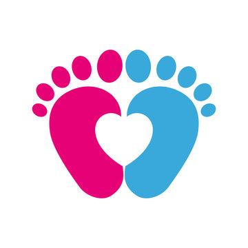 Icono plano pies de bebé azul y rosa con corazón
