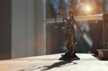 Justitia Figur - Personifikation der Gerechtigkeit