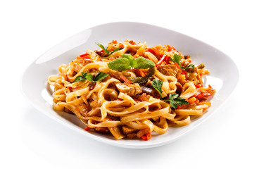 Rice noodles with meat, sauce and vegetables