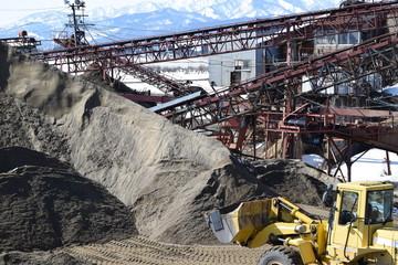 砕石場 / 建設資材の生産現場