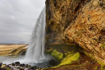 Seljalandsfoss é a cascata mais famosa da Islandia. Surpreendente atracão turística, maravilhosa paisagem Islandesa. Wall mural