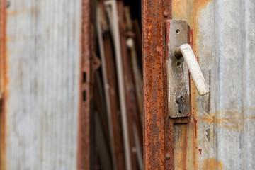 alte verrostete Tür