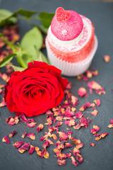 Rose mit Schaumzucker - Torte