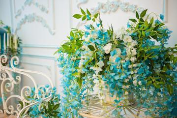 Interior details, mirror, flowers