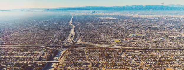 Foto op Aluminium Luchtfoto Aerial view of a freeway intersection in Los Angeles