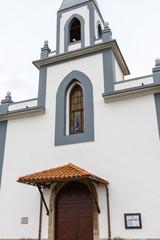 Fachada de la Iglesia de Santa María Magdalena, Villafría, Concejo de Pravia, Asturias.