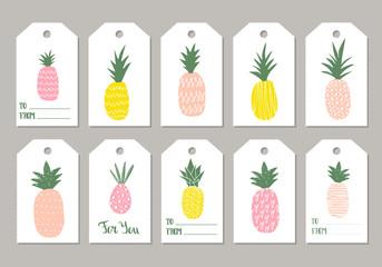Set pf cute pineapple gift tags